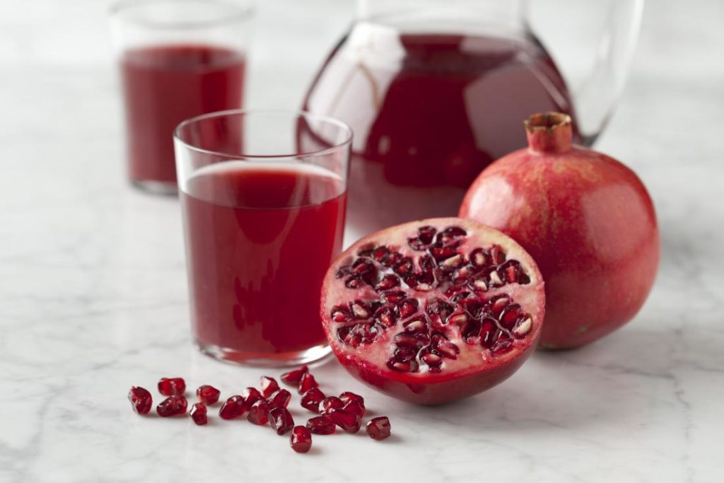 pomegranate-juice-mens-health-benefits